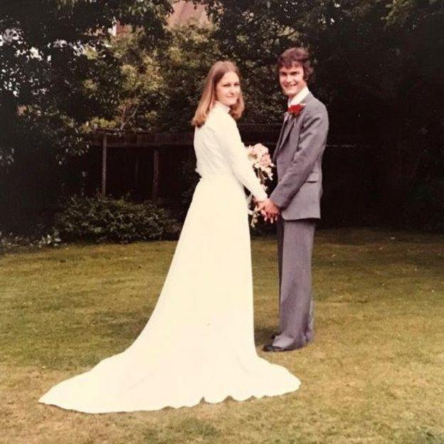Sally y Richard en el día de su boda.