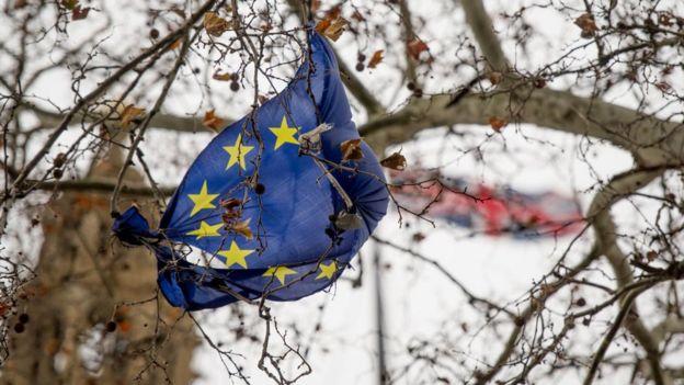 Se complirá aunque no en tiempos calculados el Brexit como salida urgente de la UE