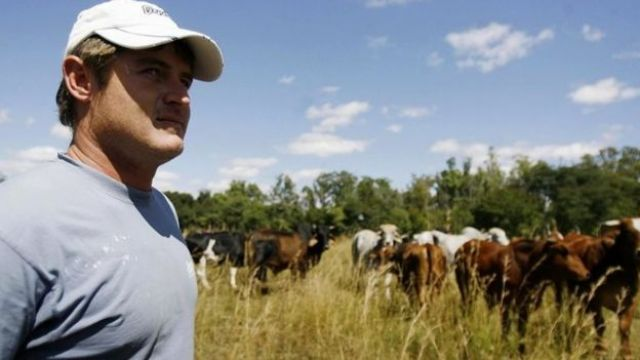 Zimbabwean farmer Brian Bronkhoust on the farm which was seized by armed youths in Chegutu 120km south west of Harare (17 April 2009)