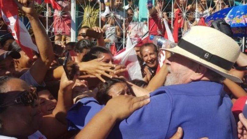 Lula em caravana