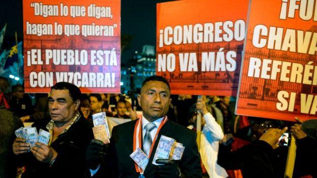Protesta en contra del Congreso de Perú