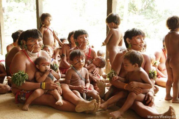 Foto de arquivo de índios ianomâmis