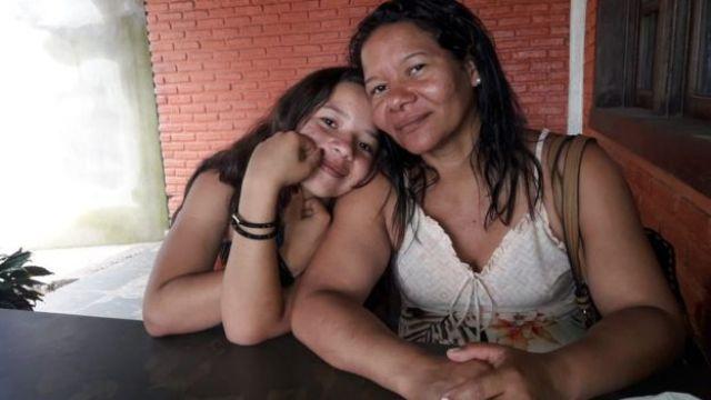 Thalyta com a irmã Alessandra