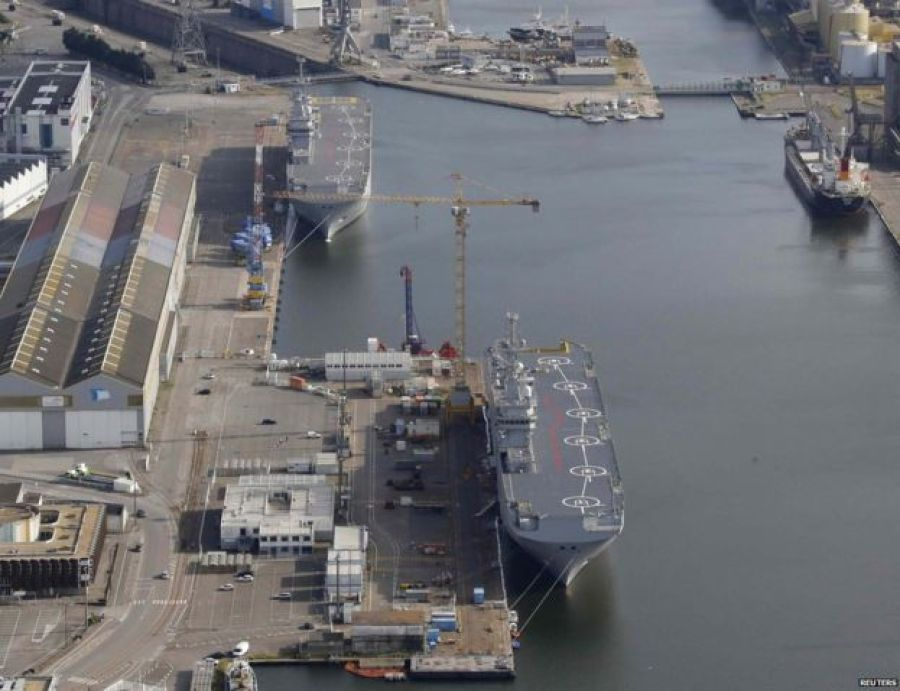 Sevastopol (bottom) and Vladivostok under construction in Saint-Nazaire (25/05/2015)