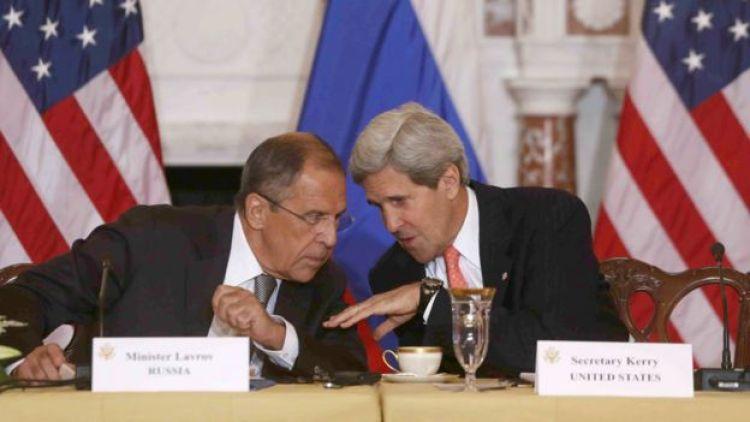 El ministro de Exteriores de Rusia, Sergei Lavrov, y el secretario de Estado estadounidense, John Kerry.