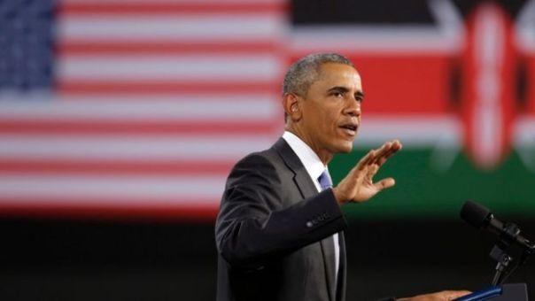 Barack Obama dando un discurso en Kenia.