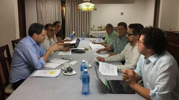 Negociadores el gobierno y las FARC en La Habana, Cuba.