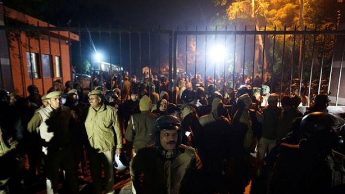 Police gather outside a gate of the Jawaharlal Nehru University (JNU) in Delhi on January 5, 2020
