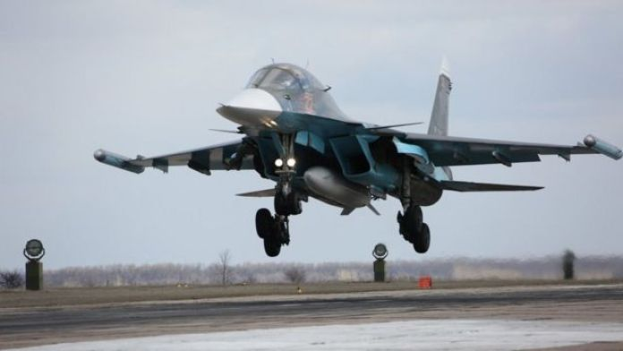 Suriye'den dönen Rus Su-34 savaş uçağı