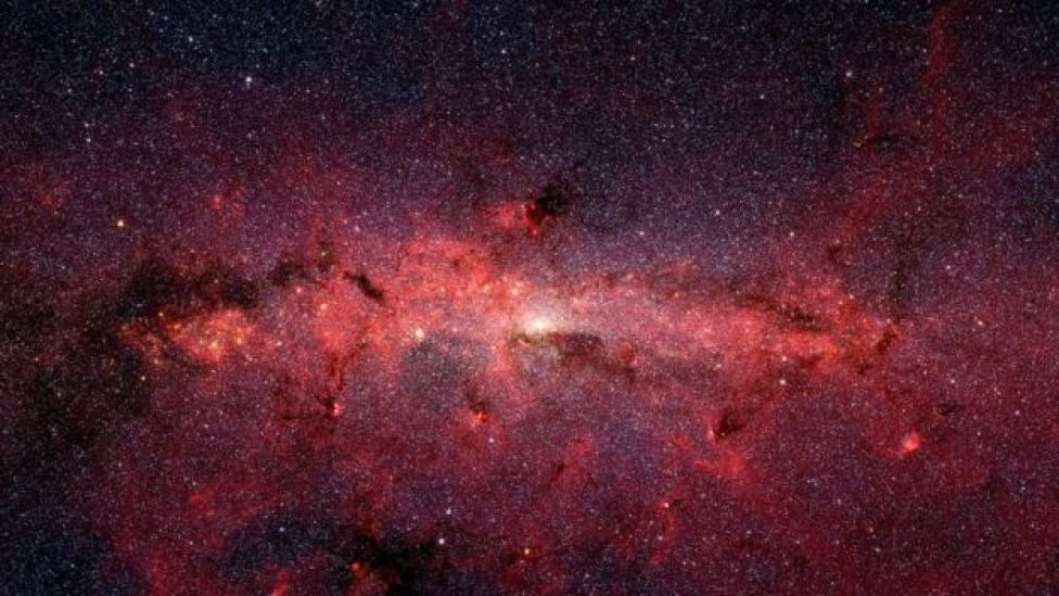 El centro de la Vía Láctea capturado por el telescopio espacial Spitzer.