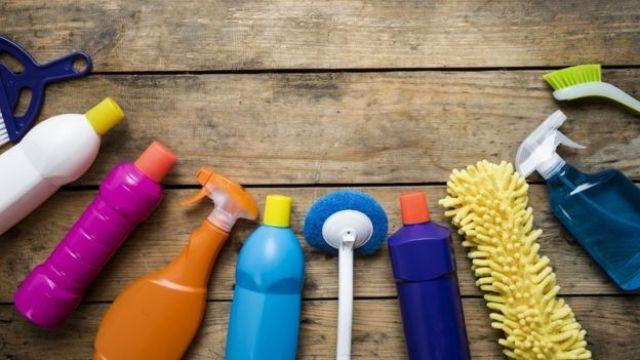 Imagen de productos de limpieza.