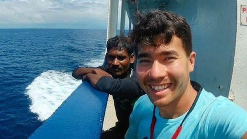 John Chau en un barco.