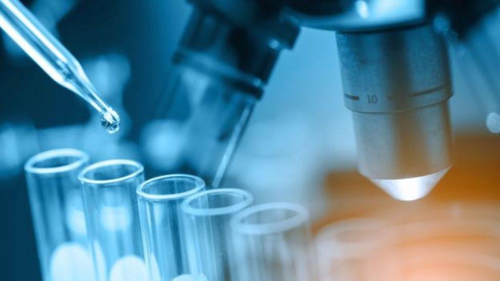 Tubos de ensaio em laboratório