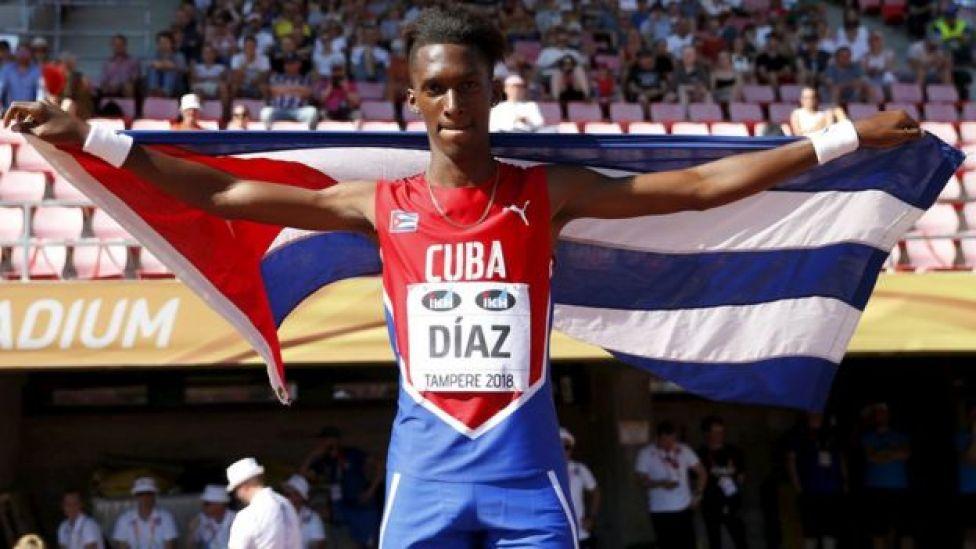 Díaz ganó la medalla de oro en los campeonatos mundiales para menores de 20 años en Tampere, Finlandia.