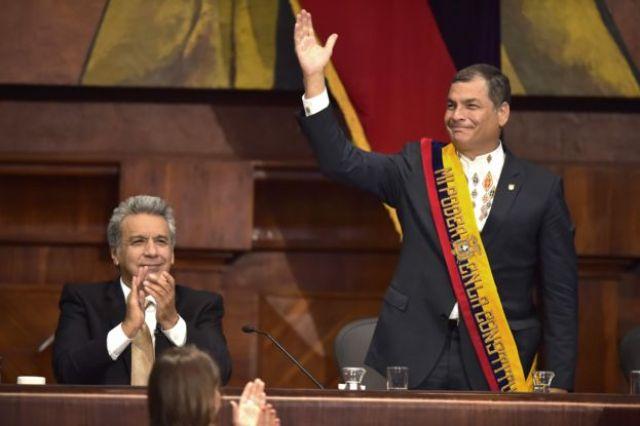 Lenín Moreno junto a Rafael Correa en la Asamblea Nacional.