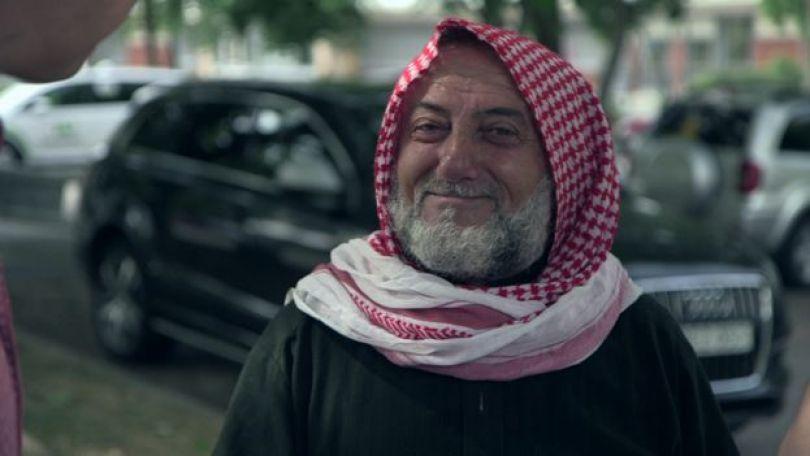 Refugiado sírio Abdurauf al Absi, que vive na Suécia há cinco anos, em entrevista à BBC