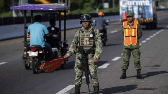 Soldados mexicanos en la frontera