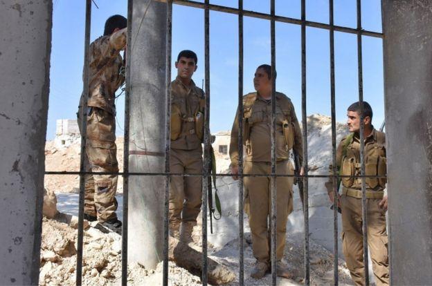 Ankara YPG qüvvələrini terrorçu saydığı PKK-nın qolu hesab edir.