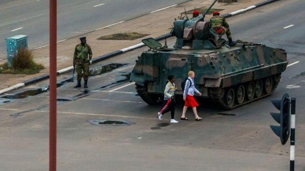 Inteko za gisirikare nizo ziriko ziragenzura umugwa mukuru Harare
