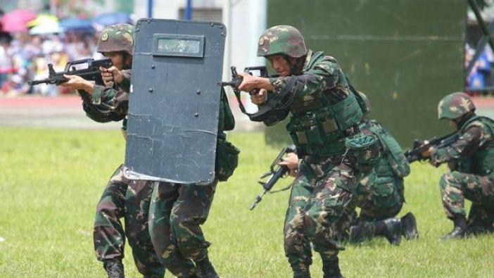 El Ejército de Liberación Popular (ELP) en ejercicios militares en su cuartel de Ngong Shuen Chau en Hong Kong