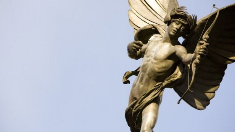 Estátua de Eros em Piccadilly Circus, em Londres