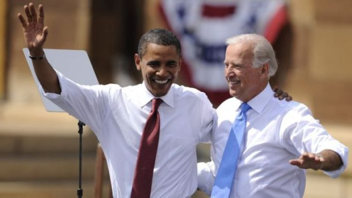 اوباما وبايدن يدا بيد