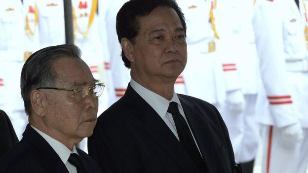 Ông Phan Văn Khải và ông Nguyễn Tấn Dũng là hai vị thủ tướng tiền nhiệm của ông Nguyễn Xuân Phúc
