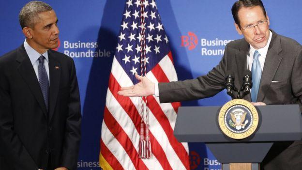 Barack Obama y Randall Stephenson