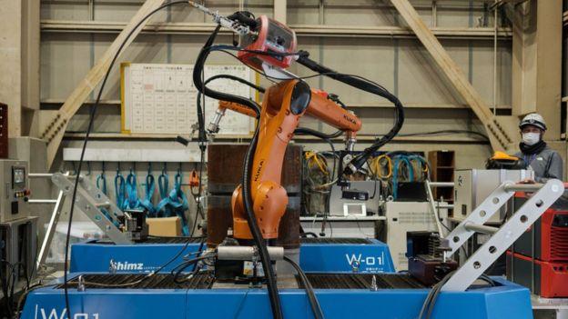 Robot constructor Robo-Welder.