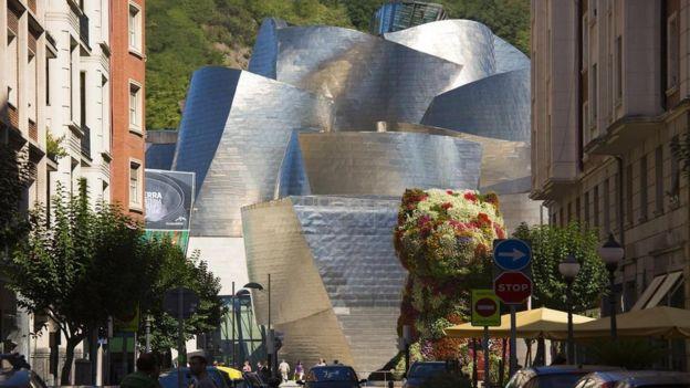 Una imagen de Bilbao, con el Guggenheim de fondo