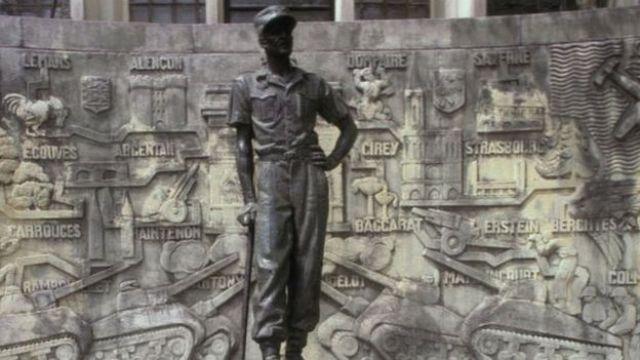 Monument de la statue du Gén Leclerc