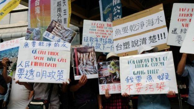 Thảm họa môi trường này đã gây ra biểu tình ở nhiều nơi