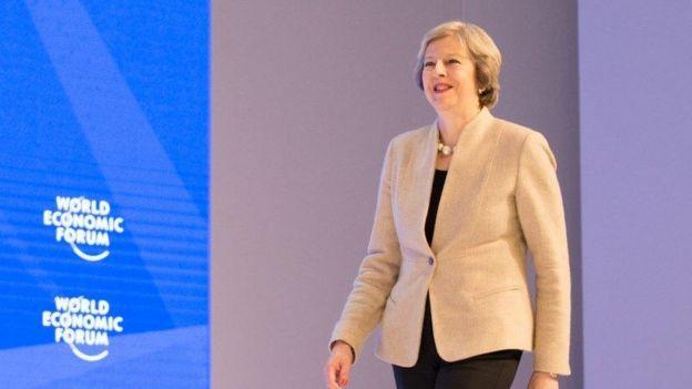 Bà Theresa May khi đến dự Diễn đàn Kinh tế Thế giới ở Davos, Thụy Sỹ