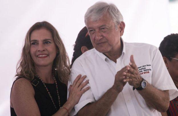 Beatriz Gutiérrez Müller y AMLO.