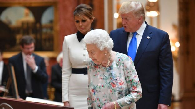 The Queen shows the Royal Collection to the US President and First Lady