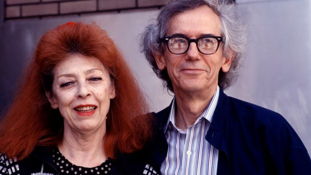 Jeanne-Claude and Christo as they pose together at the Harlem School of the Arts, New York, 26 April 1997