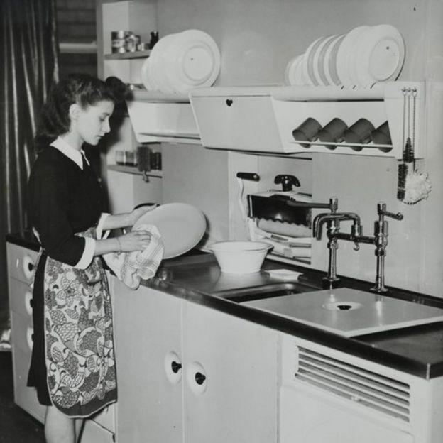 Tras la II Guerra Mundial, los productos sintéticos se hicieron ubicuos en los hogares de gran parte del mundo.