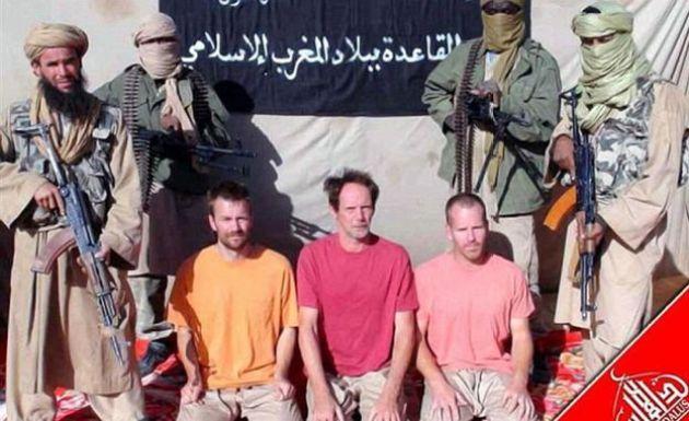Stephen McGowm e dois outros sequestrados em vídeo da Al-Qaeda