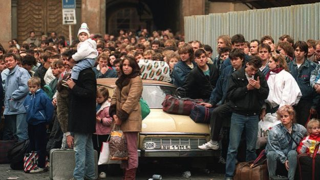 Migrantes alemanes dirigiéndose al oeste del país.