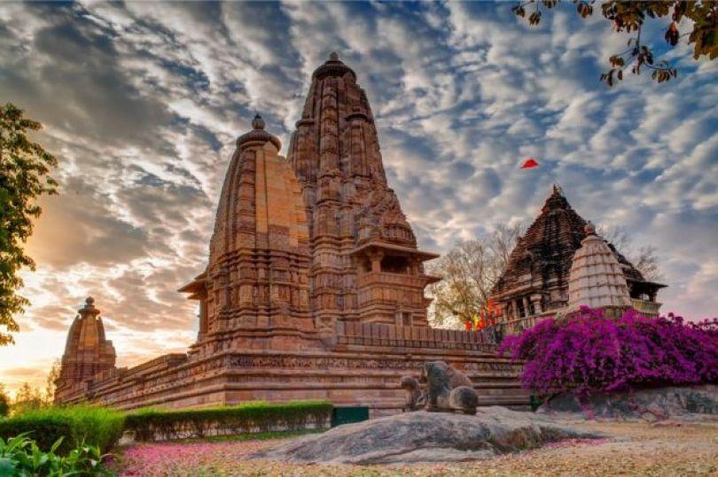 Vista geral dos templos de Khajuraho.