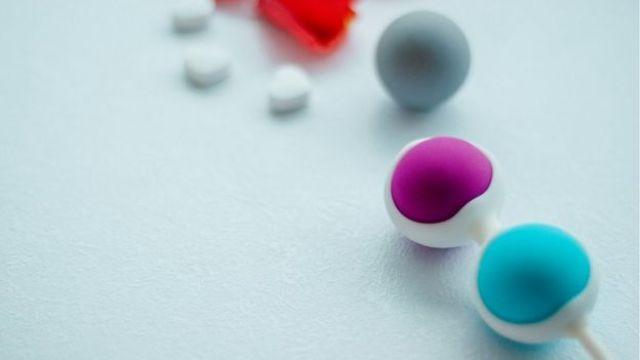 Imagen de unas bolas chinas vaginales.
