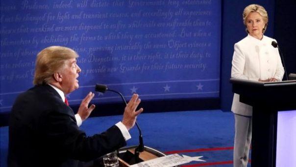 Donald Trump y Hillary Clinton durante un debate.