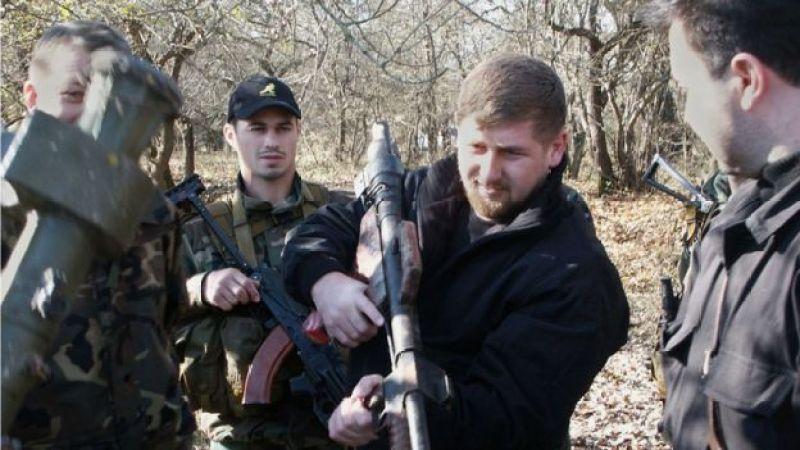 Ramzan Kadırov və Abuzayd Vismuradov (solda), 2003-cü il