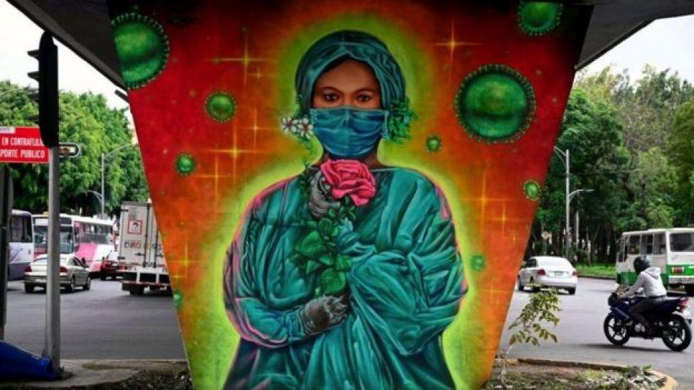 Mural de medico en CDMX