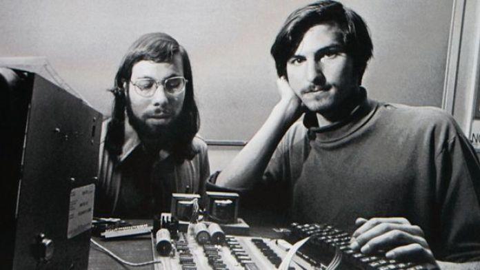 Steve Wozniak y Steve Jobs.