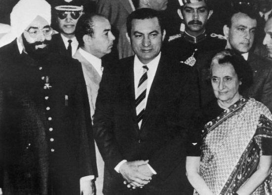 Giani Zail Singh, Xusni Mubaarak iyo Ndira Gandhi