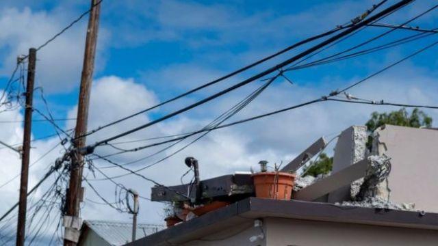 Casa danificada em Porto Rico