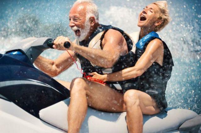 casal no jetski
