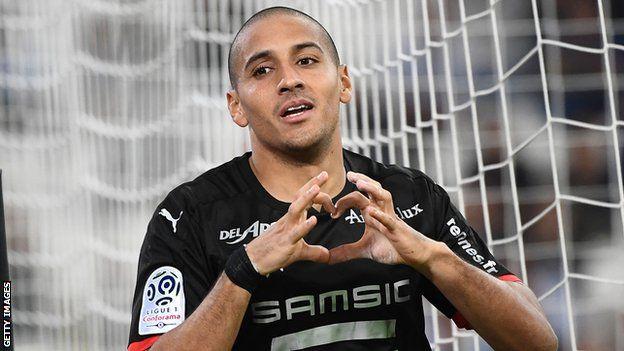 اللاعب التونسي وهبي خزري