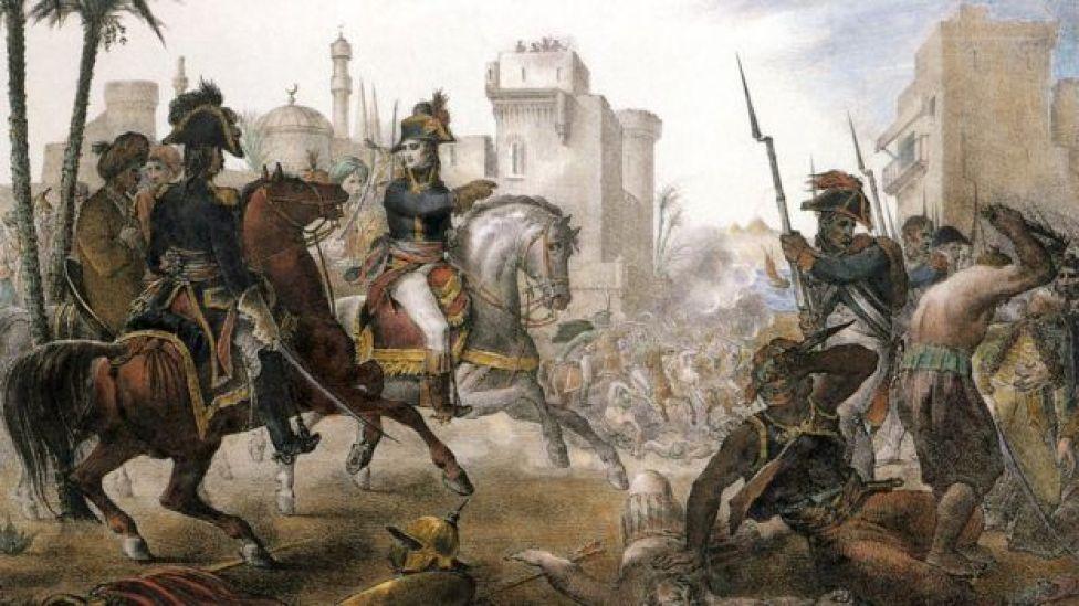 بونابرت يقود معركة حربية في مصر